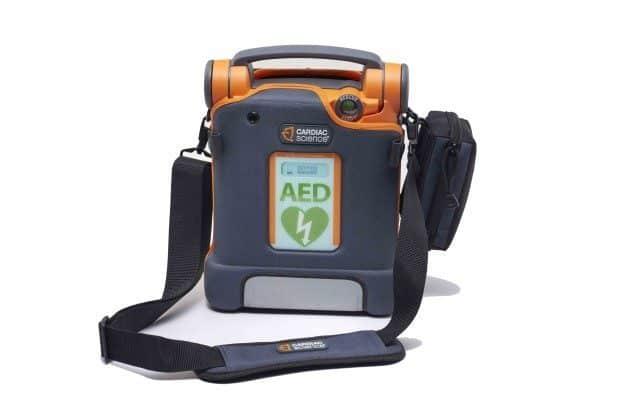 Défibrillateur avec assistance au massage cardiaque