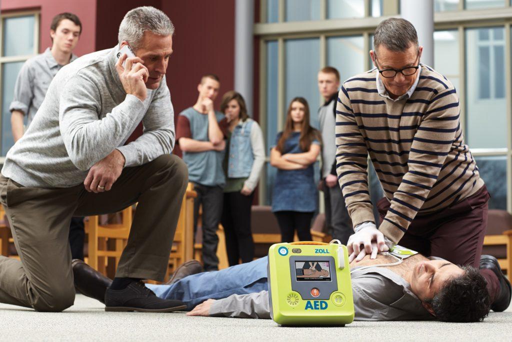Défibrillateur Zoll AED3 en situation